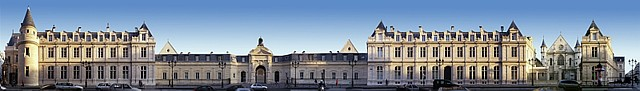 La façade du Cnam en panoramique, rue Saint-Martin